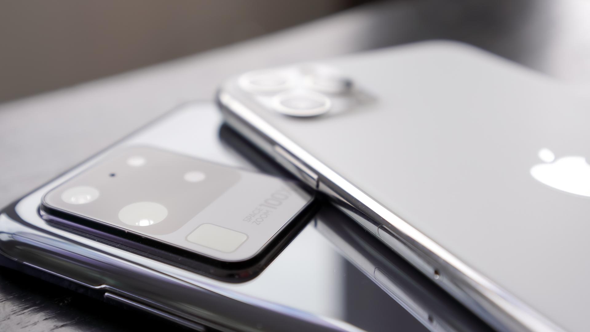 Apple iPhone 12 Mockup