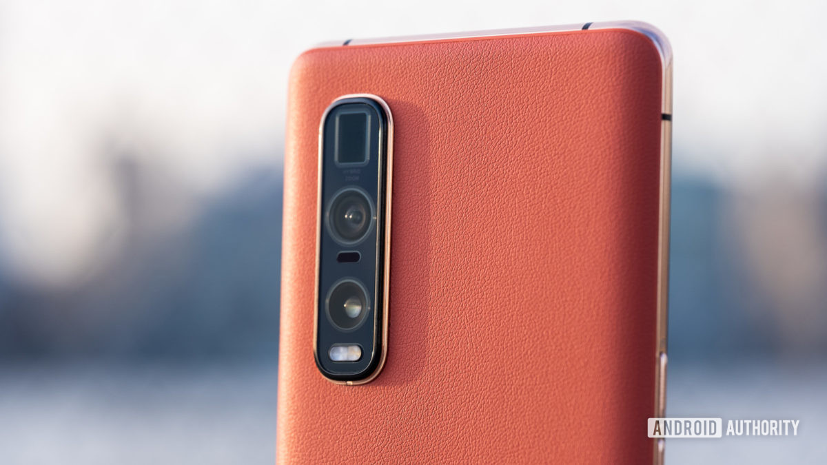 Oppo Find X2 Pro back camera macro - camera sensor size