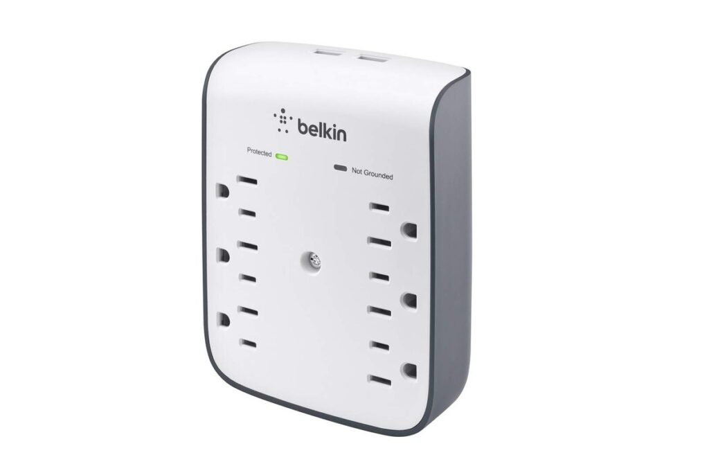 Belkin SurgePlus USB Wall Mount surge protector review: This compact outlet-mounted gadget checks all the boxes