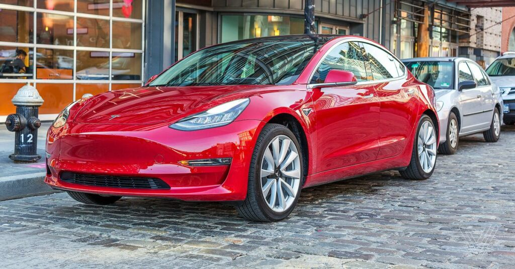 Tesla reportedly adding USB-C ports and wireless phone charging to US-made Model 3 vehicles
