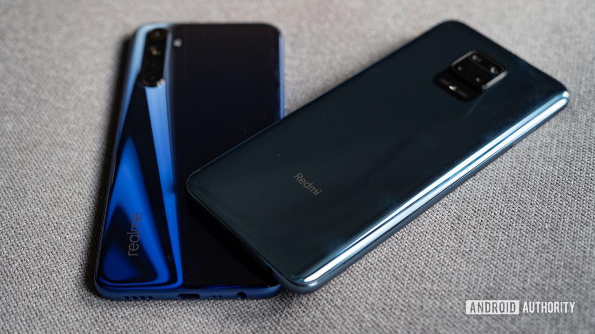 Redmi Note 9 Pro vs Realme 6 rear panel and gradient