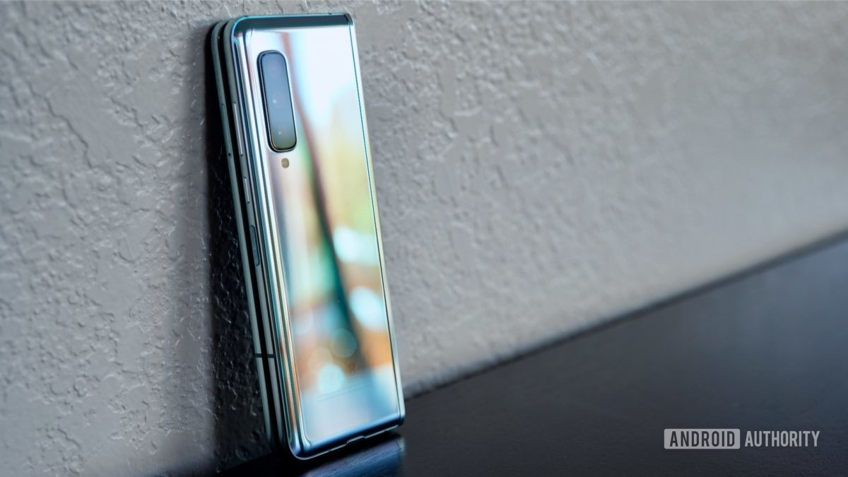 Samsung Galaxy Fold Review reflections