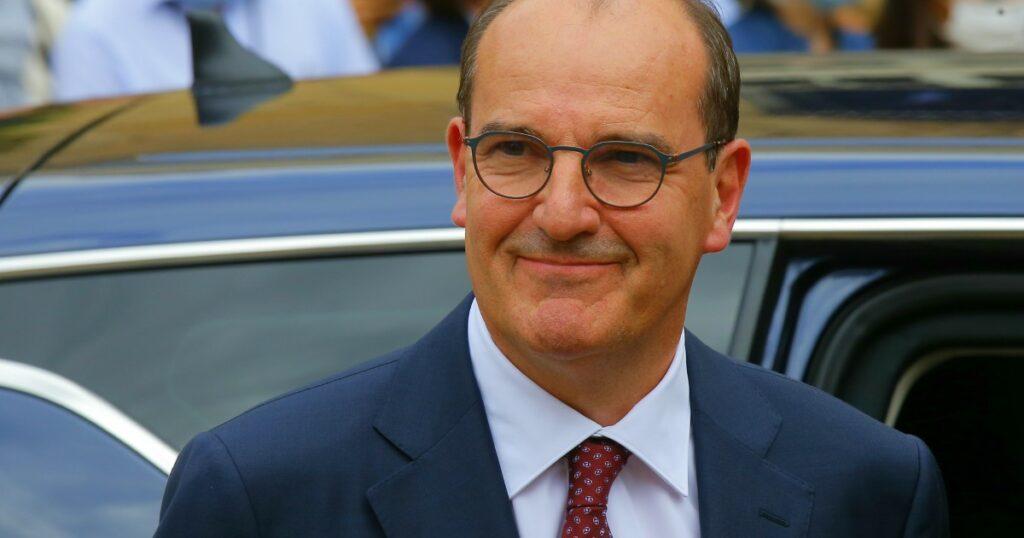 Francia, svelati i ministri del nuovo governo: all'Interno arriva Darmanin, la Giustizia a Dupond-Moretti. Restano Le Drian e Le Maire