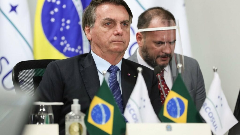 """Bolsonaro ammette: """"Ho i sintomi del Covid"""". Il presidente brasiliano attende l'esito del test"""