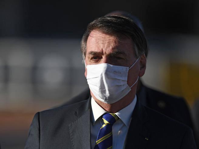 Brasile, Bolsonaro ha sintomi compatibili con il coronavirus