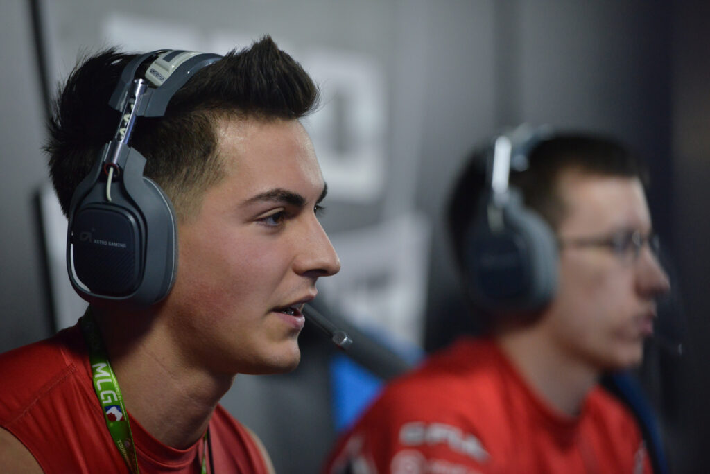 Censor Joins Call of Duty Franchise and Looks To Rebuild Himself