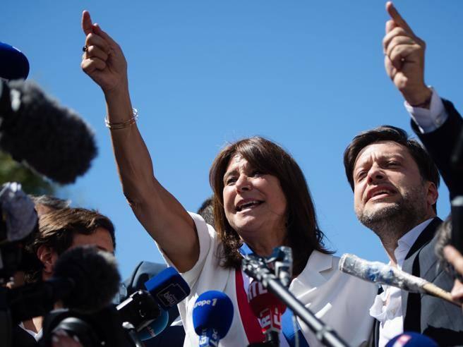 Elezioni a Marsiglia, Alain Delon passa a sinistra con la nuova sindaca