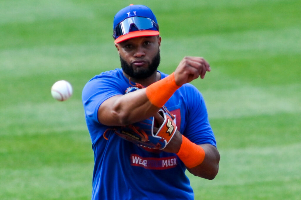 Robinson Cano returns to Mets camp after undisclosed absence