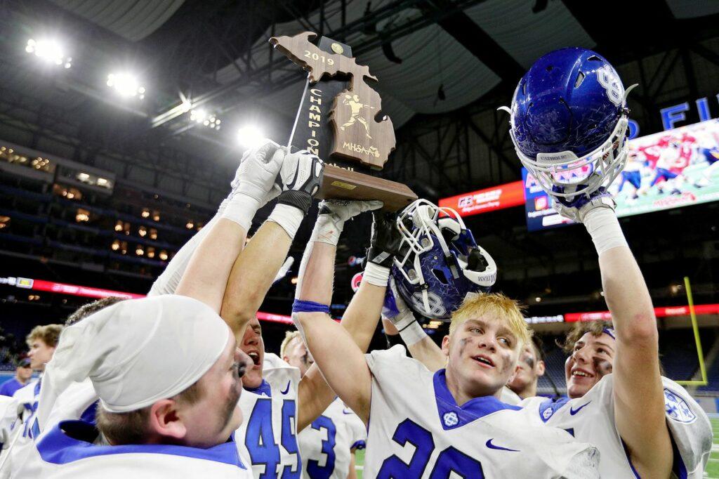 Top 25 high school football games in Michigan for 2020 season