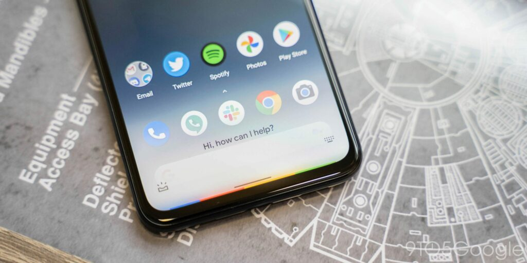 Pixel Launcher bar swaps Assistant logo for microphone icon