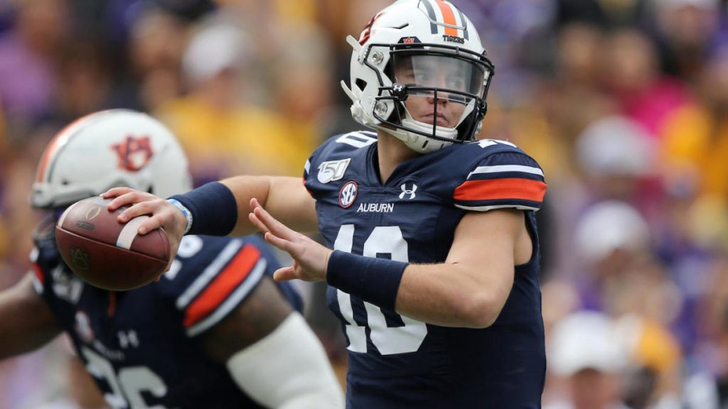 College football score, NCAA Top 25 rankings, schedule, today's match: Auburn, Florida launches SEC action