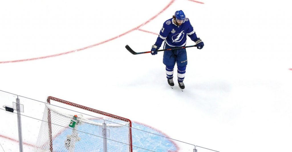 Lightning falls to Stars 4-1 in the first game of the Stanley Cup Finals