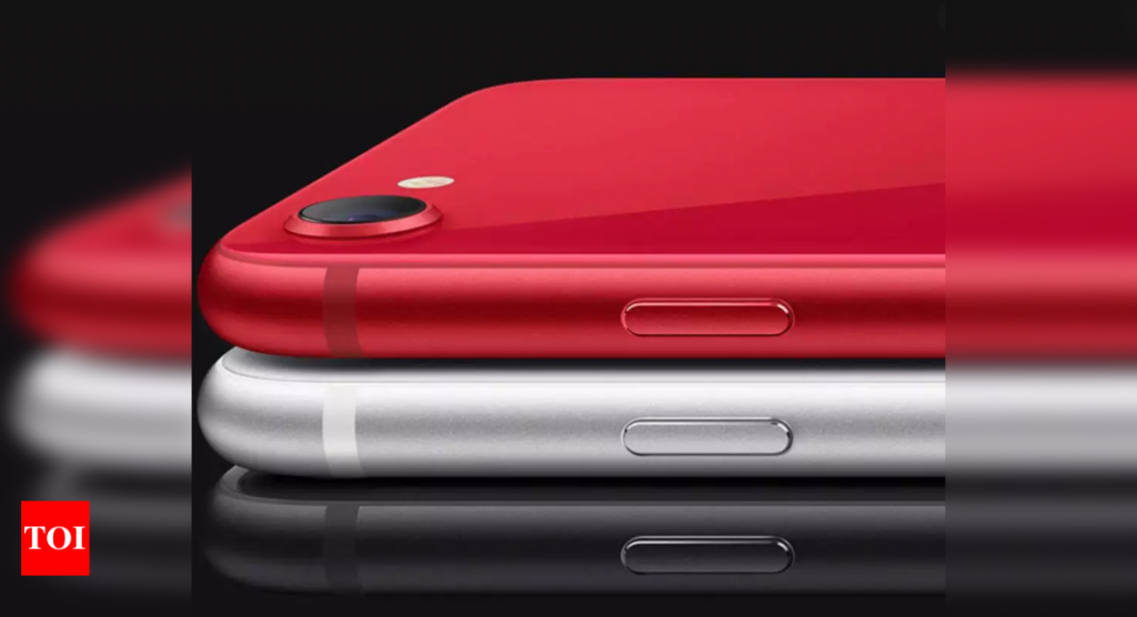 """iPhone SE: Apple may not launch """"cheapest"""" iPhone next year"""