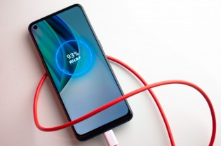High refresh rate and fast charging-OnePlus phone staple