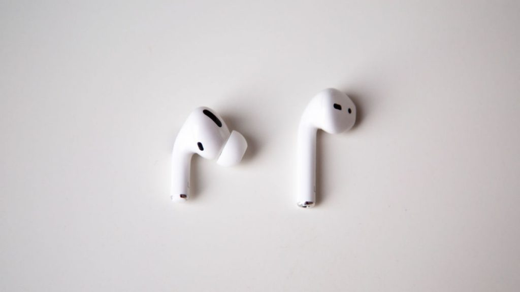 Apple replaces AirPods Pro with static and crackling issues