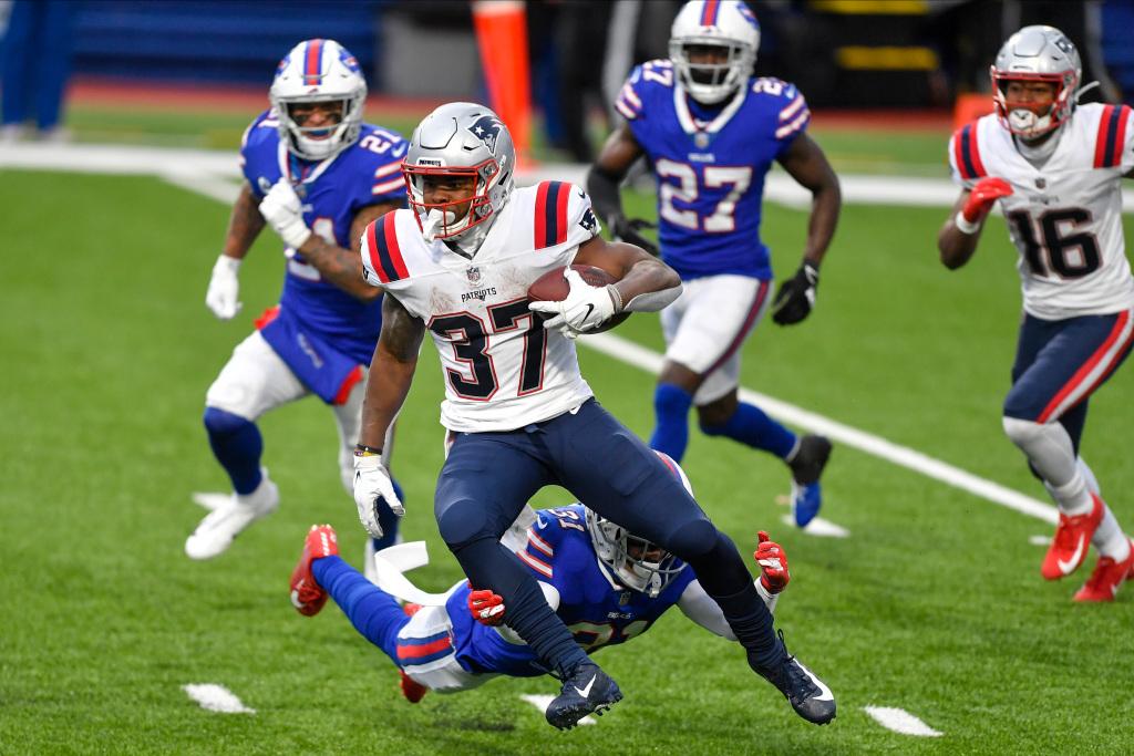 Cam Newton Performs Game Show Progress in Consecutive Loss – Boston Herald
