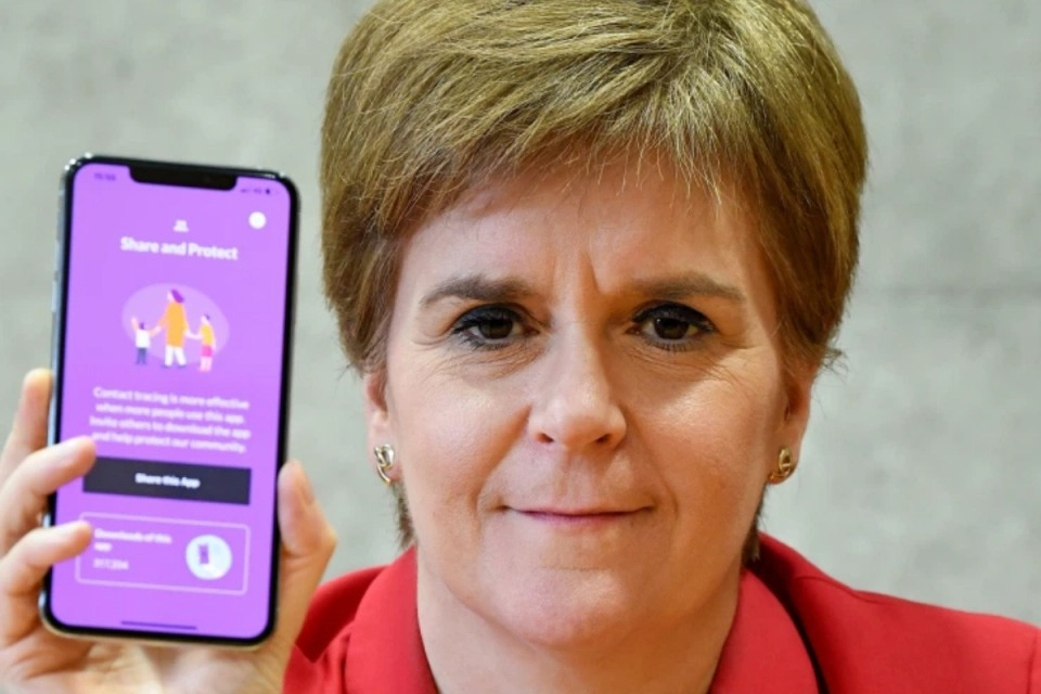 """Less than 40% of Scottish smartphone users"" downloaded the Covid Trace app"