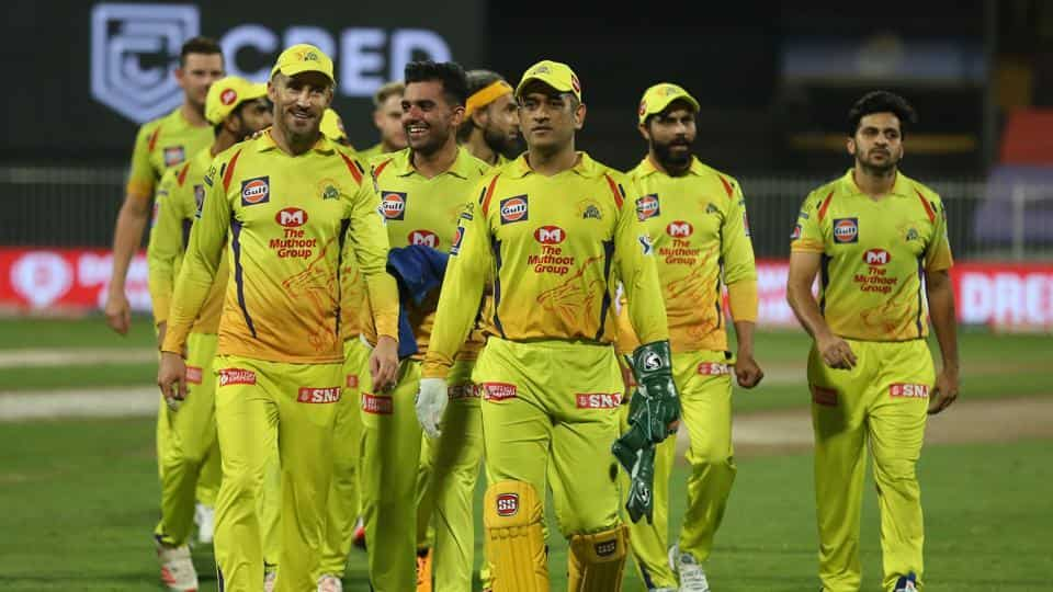 MS Dhoni captain of Chennai Superkings with team players.