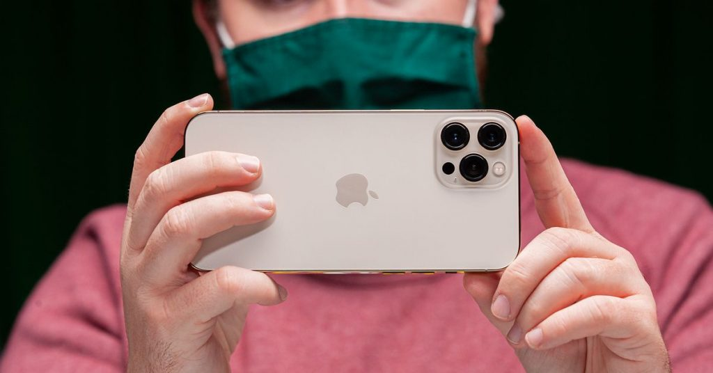iOS 14.3 turns iPhone 12 Pro and Pro Max into even better cameras