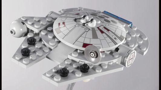 4488-001-Millennium Falcon