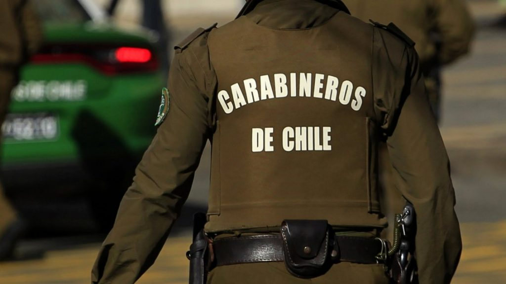 Two arrested for millionaire robbery in a telephone store in Las Condes