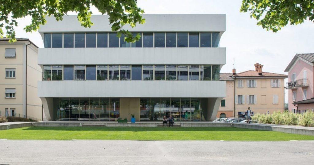 Balerna Mountain School: 'Take off in families'