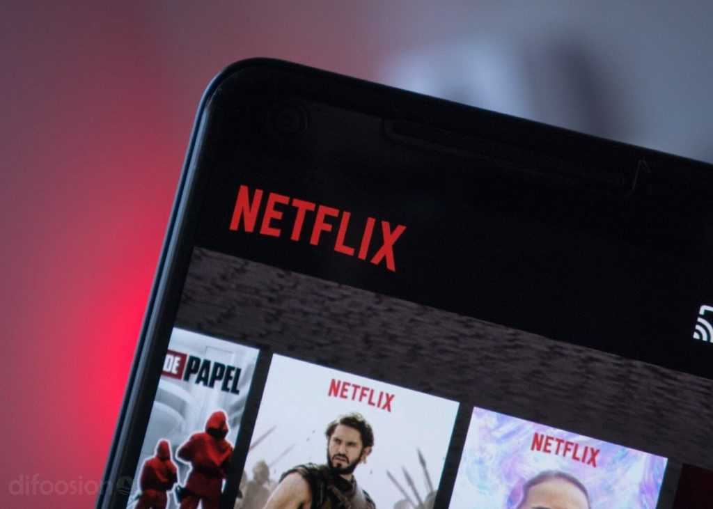 It is possible to download videos from Netflix, YouTube or Disney + but they are deceiving you
