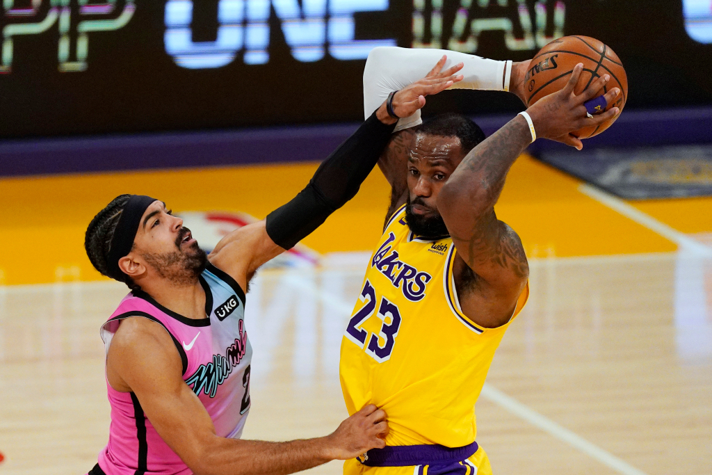 The Lakers rally, but lose the heat and can't close – Orange County Register
