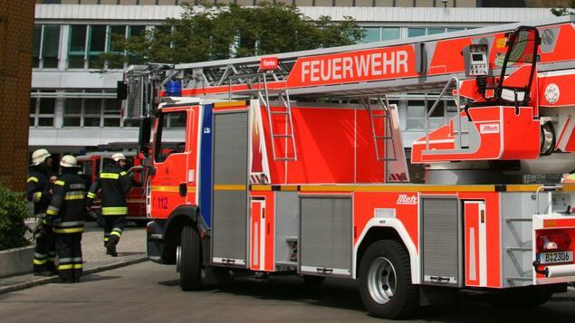 Broken gas cylinder explodes: several injured in Spandau apartment fire - Berlin