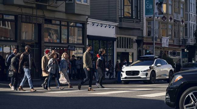 Waymo (Google) autonomous cars take to the streets of San Francisco