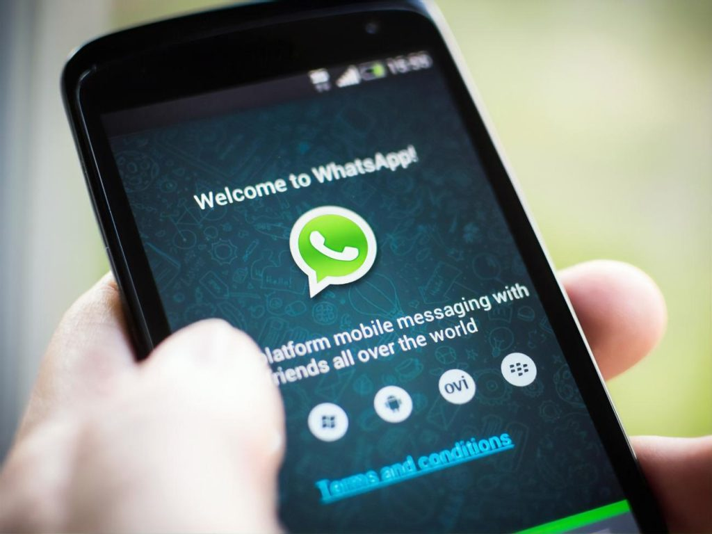 WhatsApp will restrict accounts that will not accept the new messaging rules / GORDON