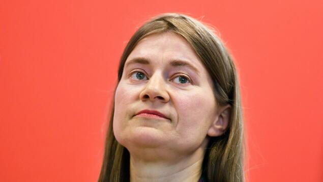A crucial test for the left in Brandenburg: Internet politician Domscheit-Berg wins against party leader Mayer - Berlin