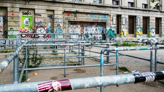 Illegal party and quarantine obligations violated ?: Accusations after the fashion show at the Berlin club Berghain - Berlin