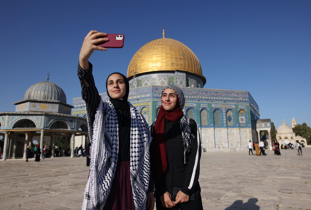 Instagram explains the reason for removing Al-Aqsa posts