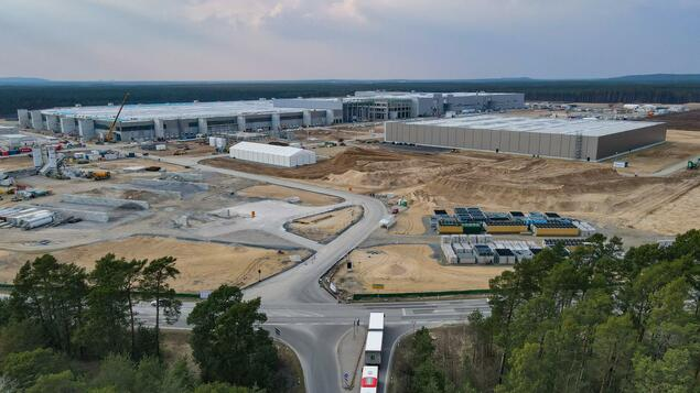 Tesla factory in Grünheide: Brandenburg finance minister expects production to start by autumn at the latest - Berlin