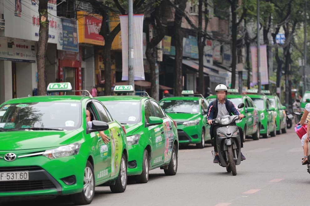 Covid Outbreak in Ho Chi Minh City: Taxi Stand, Tech Taxis;  Driver is concerned about 'non-compliance', is there any support?  - 3. Photo