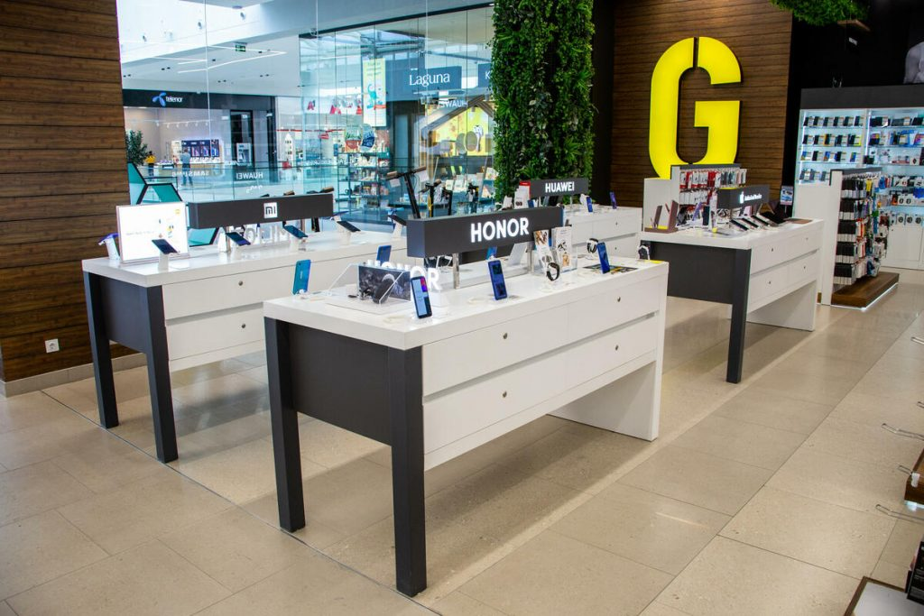Don't miss the MOBILE PHONE FESTIVAL!  Visit the nearest Gigatron store!