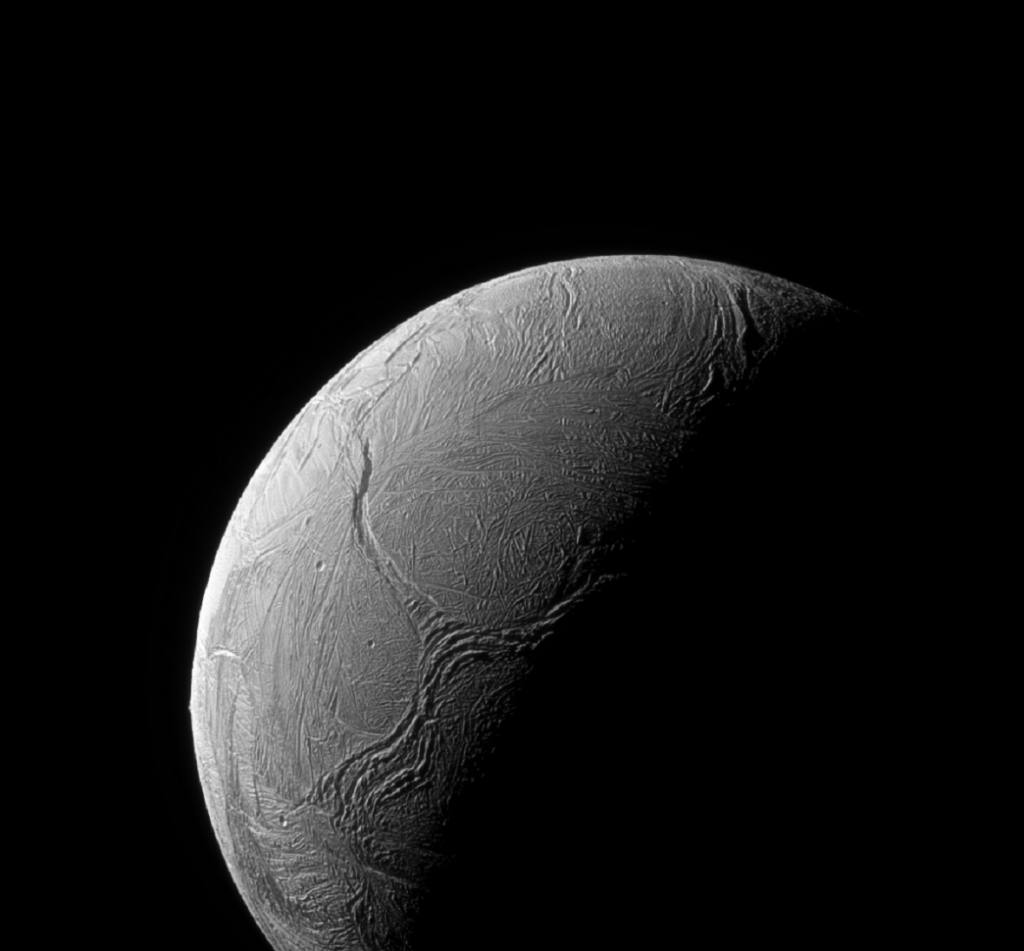 Something inexplicable is happening on Enceladus, the moon of Saturn.  Could be underwater life, study says - ČT24 - Czech Television