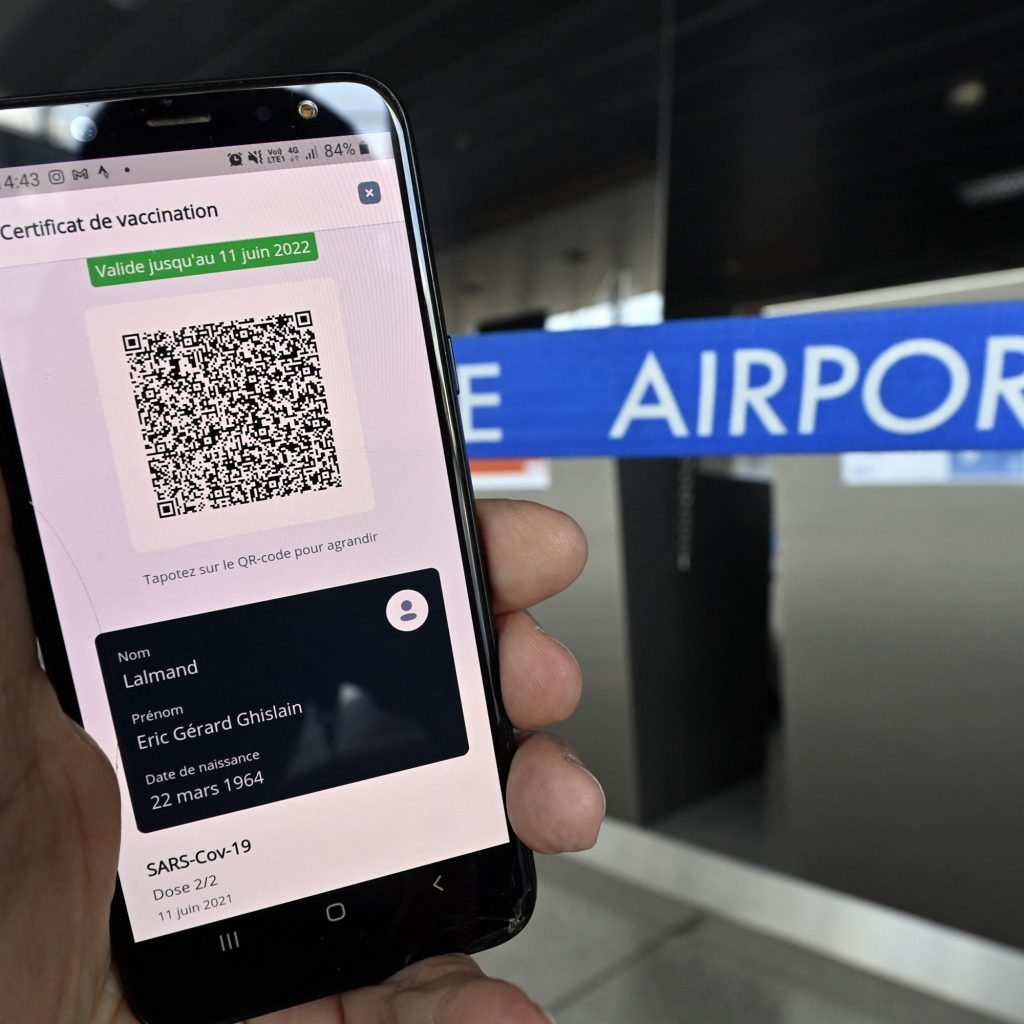 how to download the new QR codes to travel this summer