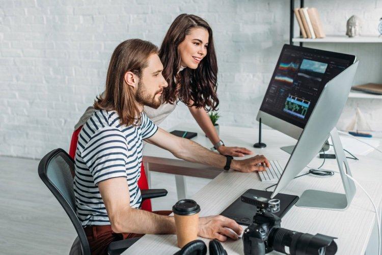 professional pc video editing application team