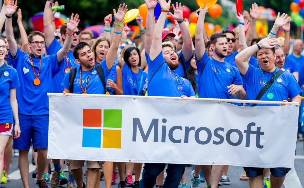 Microsoft supports employees with $ 1,500 due to pandemic