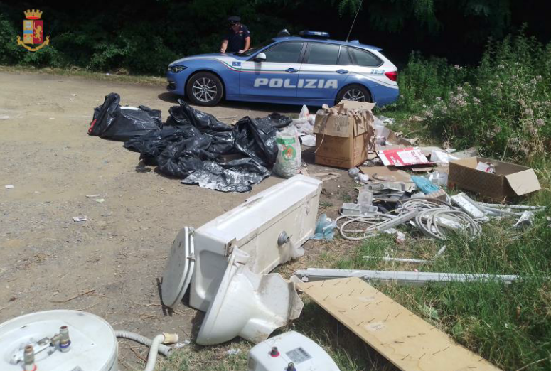Throwing the residues of the restructuring of the company's premises in the forest: the traffic police denounce the businessman PHOTO