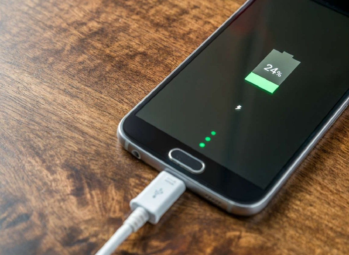 Four reasons are named that lead to the rapid discharge of the smartphone battery