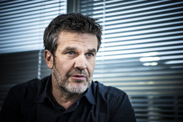 Hervé Mathoux sole commentator for FIFA 22