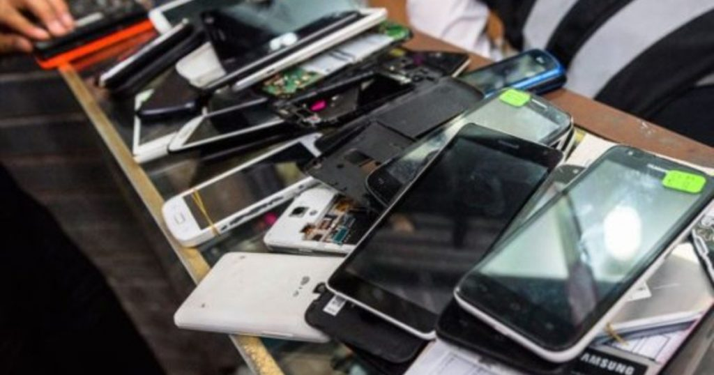 They arrest thieves with more than 40 stolen cell phones |  Chronicle