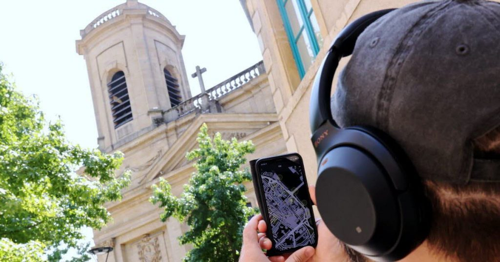 an audio tour to discover the city in another way