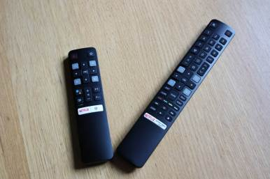 TCL 55C825X1: two remote controls.