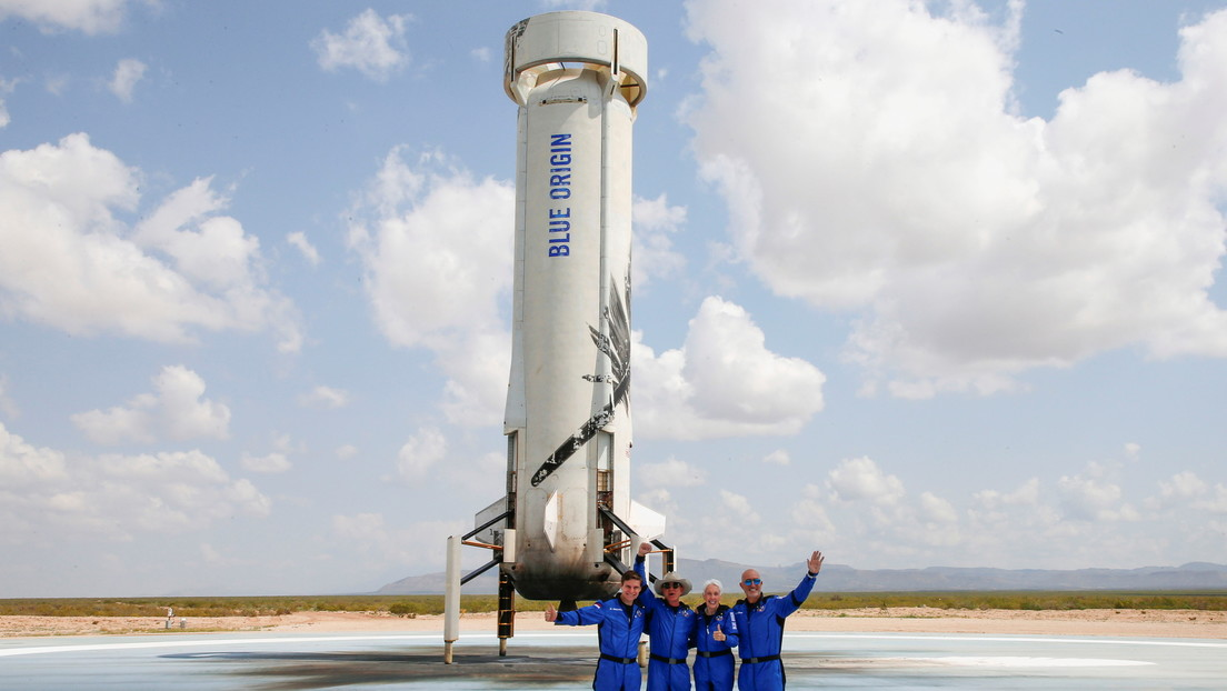 Blue Origin sues NASA for awarding SpaceX lunar mission contract