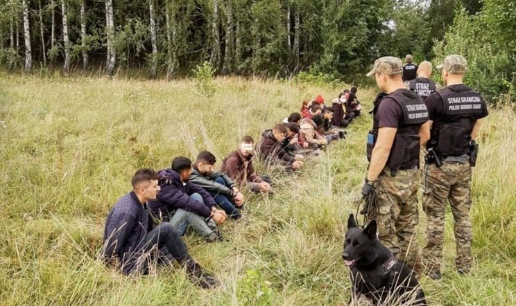 Latvia declares emergency at the border with Belarus due to the influx of migrants