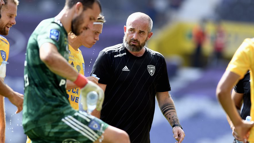 """REACTIONS.  Ligue 2 - Matchday 4: """"Playing in this heat, a scandal"""", affirms Mathieu Chabert, Bastia coach, after the defeat against TFC (1-0)"""